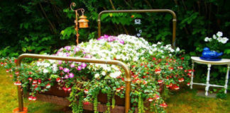 Сборная клумба для сада