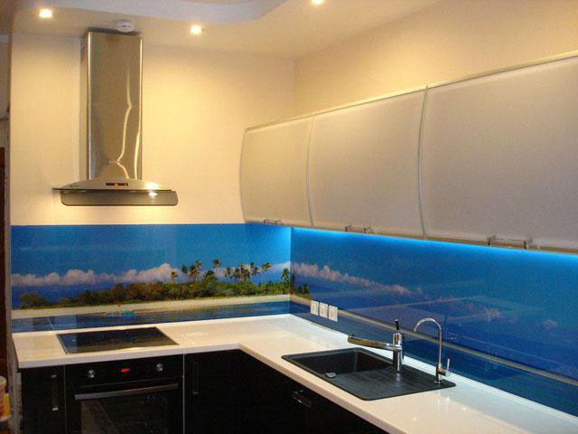 Панели для кухни: преимущества, разновидности и способы установки