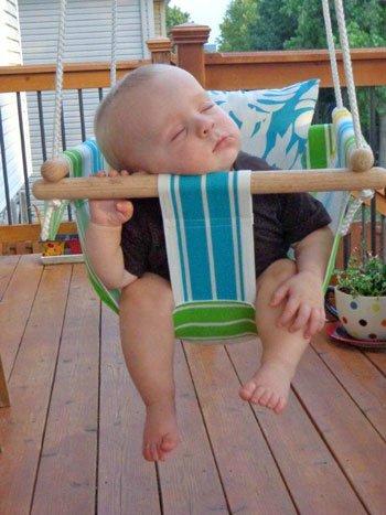 Качелька для ребенка