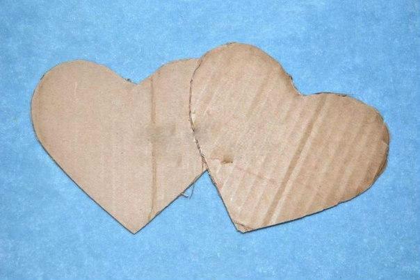 Топиарий в форме сердца из атласных лент