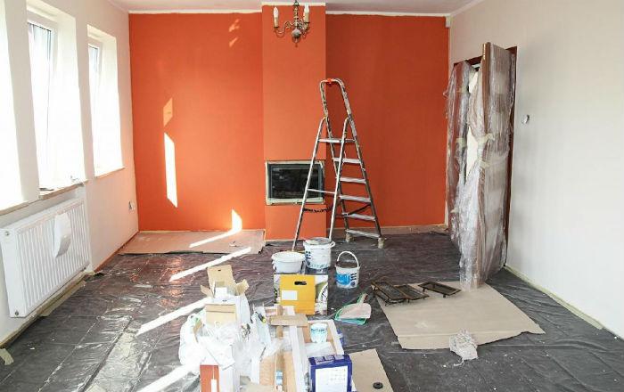 Демонтаж - начало ремонта в квартире