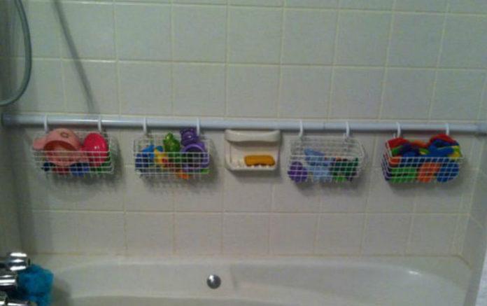 Идея для хранения игрушек в ванне