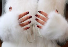 Как почистить белый мех?