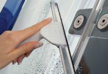 Отмываем душевую кабинку несколькими движениями