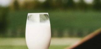 Причины, по которым нужно пить кефир