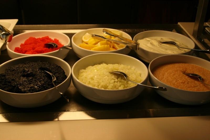 Как правильно есть красную икру или Извращения по-фински