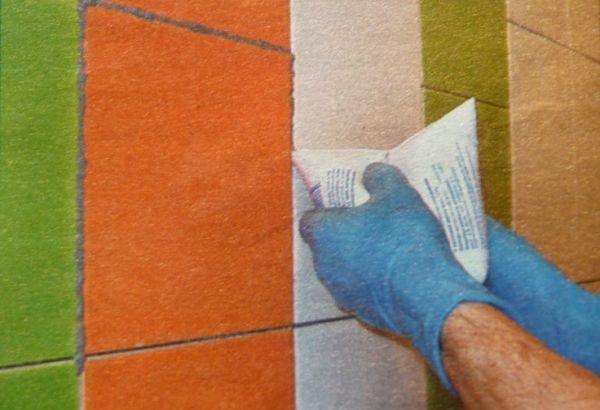 Как затирать швы на плитке на стене и на полу