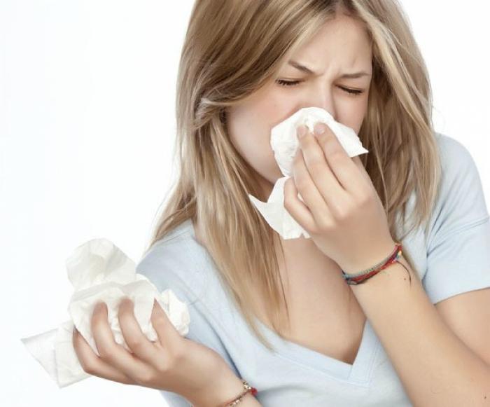 18 частых бытовых проблем, справиться с которыми поможет вазелин