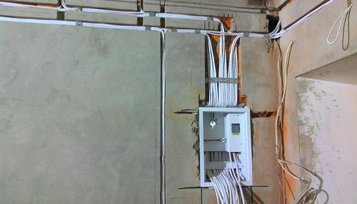 Как заменить электропроводку в доме