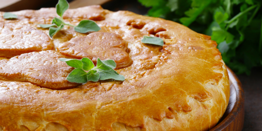 Песочный пирог с мясной начинкой