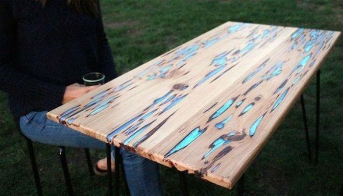 Сделать светящийся стол своими руками может каждый