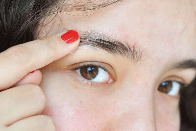 10 неожиданных способов использования гигиенической помады