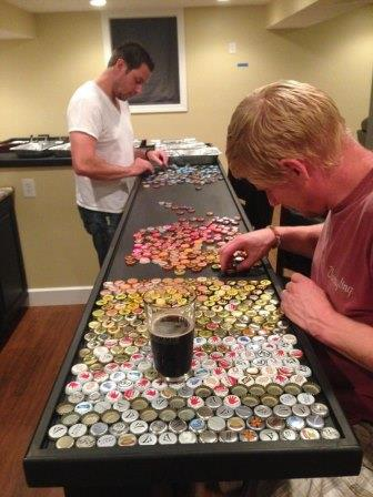 Этот мужчина 5 лет собирал пивные крышки, чтобы осуществить очень крутую идею