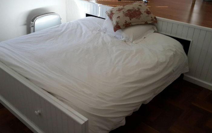 В этой тесной комнатушке едва умещалась кровать... Но только посмотри, как все изменилось!