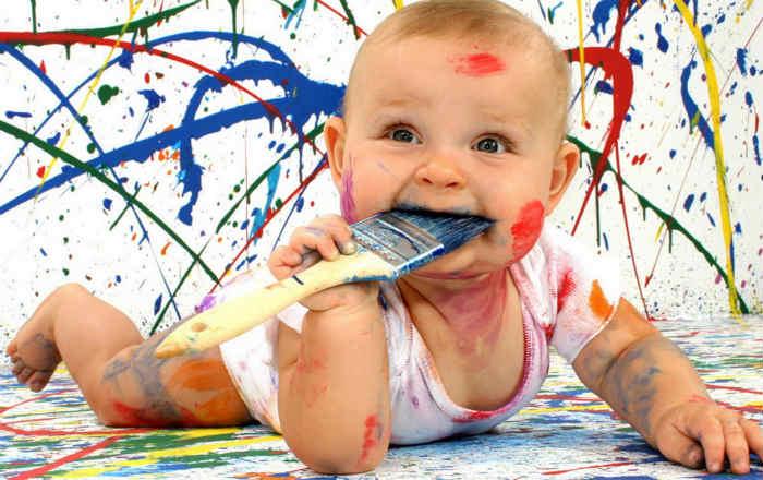 Чем можно очистить светлые обои от шариковой ручки. Советы специалистов