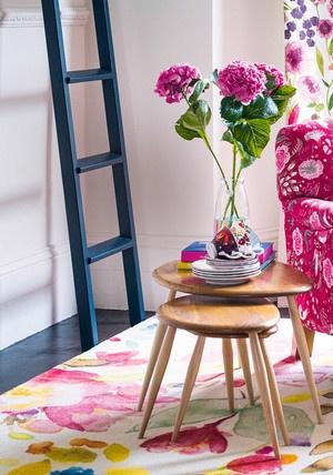 Цветочный принт в интерьере: свежие идеи