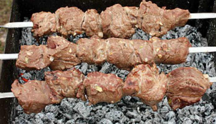 Экспрес-маринад для вкусного шашлыка из свинины