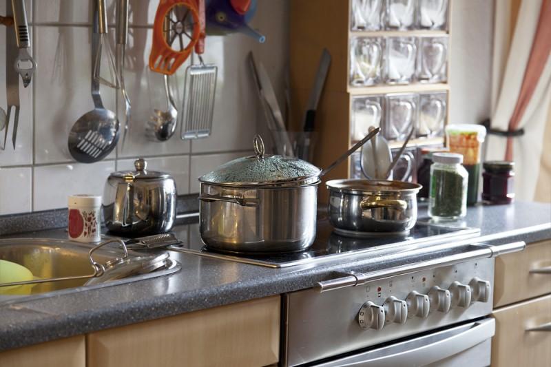 Трюки, которые помогут содержать кухню в чистоте