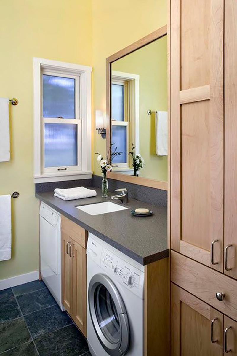 Варианты размещения стиральной машинки в маленькой ванной комнате