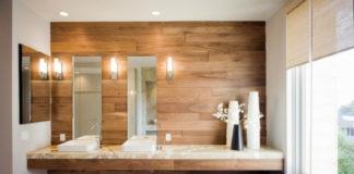 Необычное оформление ванной комнаты в дереве
