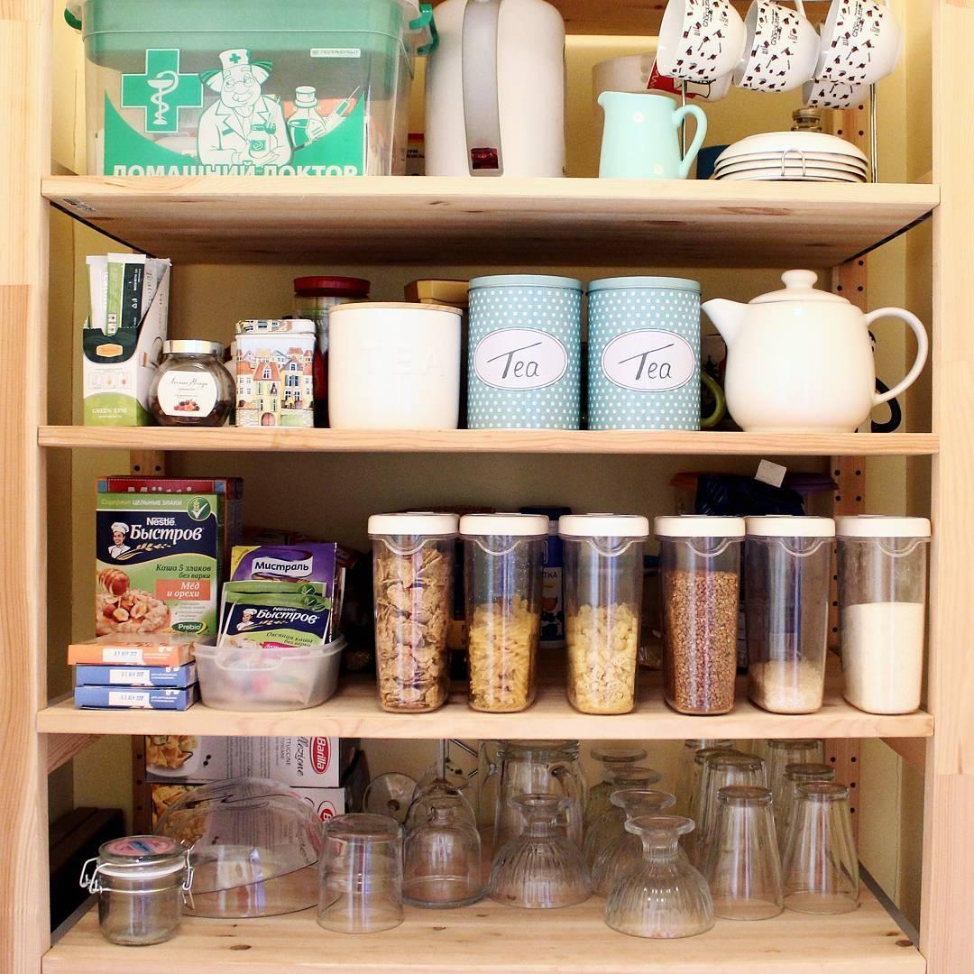 Хранение под раковиной в кухне фото