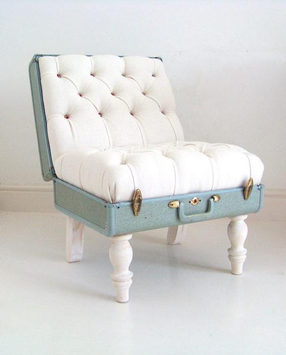 Кресло из винтажного чемодана