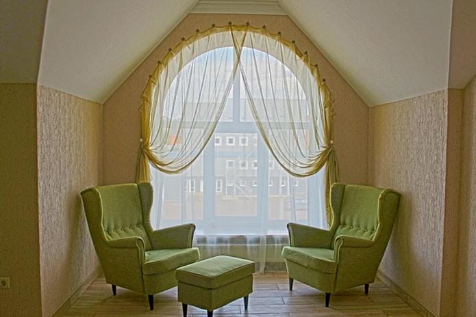 оформление арочного окна
