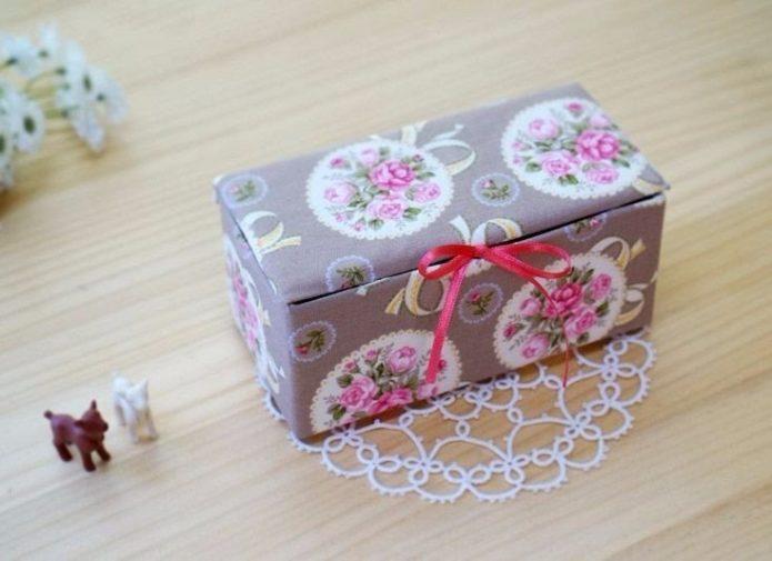 Декоративная шкатулка из коробки
