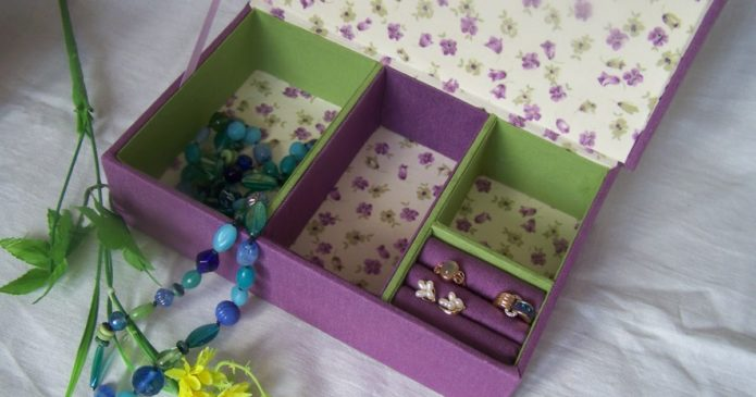 Хранилище для бижутерии из коробки