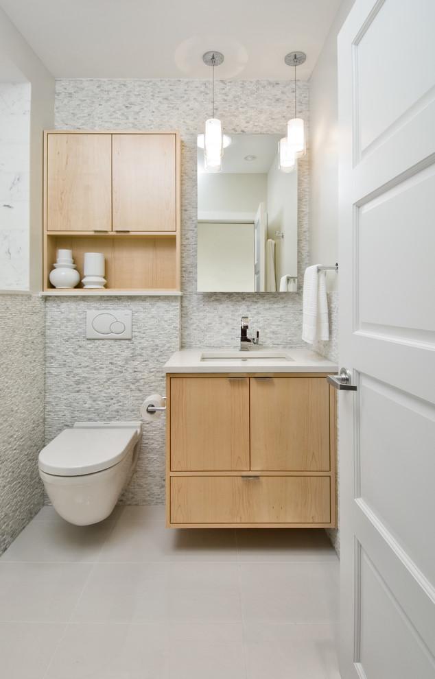 Ванная в  цветах:   Бежевый, Белый, Коричневый, Светло-серый.  Ванная в  стиле:   Минимализм.