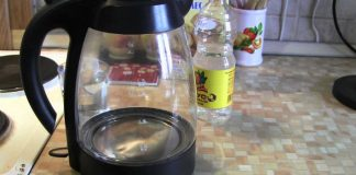 Отмываем чайник до блеска снаружи и внутри