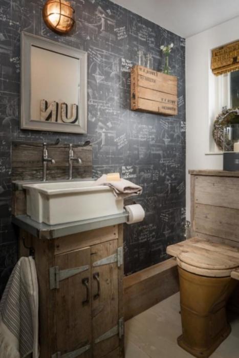 Ванная комната на втором этаже. | Фото: lesmaisons.co.