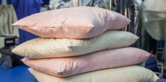Как отбелить подушки в домашних условиях