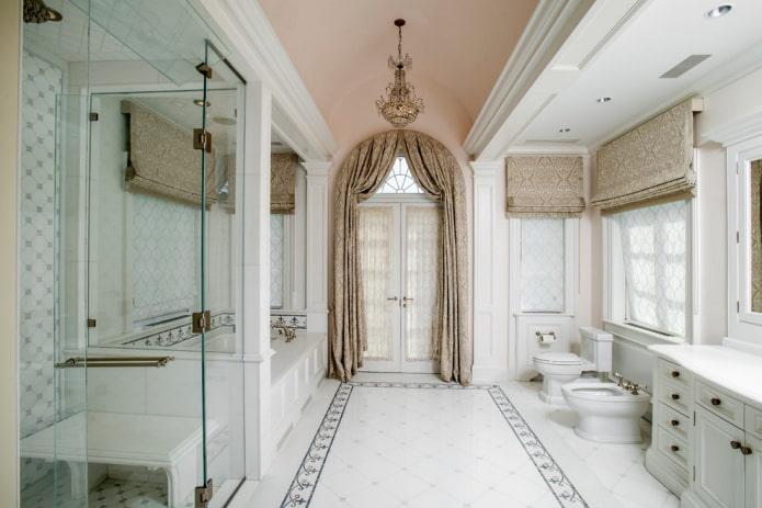 шторы на двери в классическом стиле