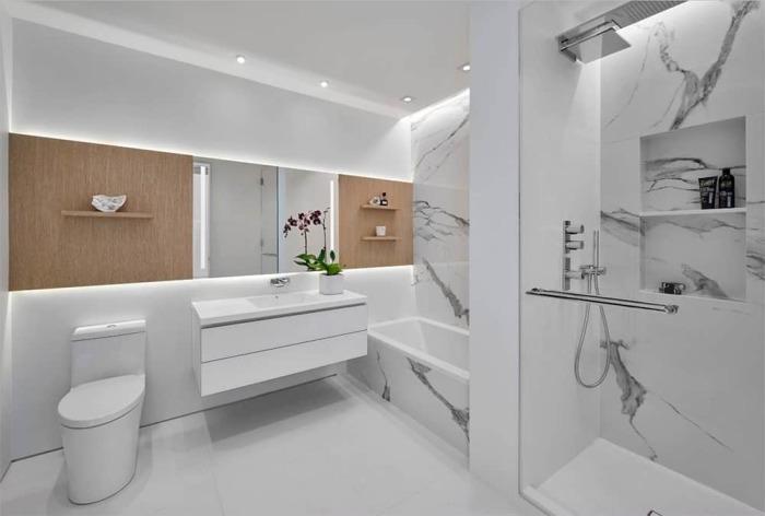 Светлые плитки. /Фото: homestratosphere.com