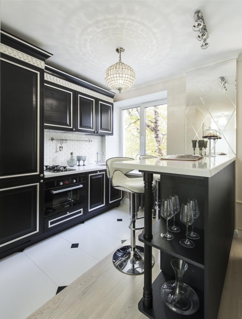 Черная кухня в стиле ар деко