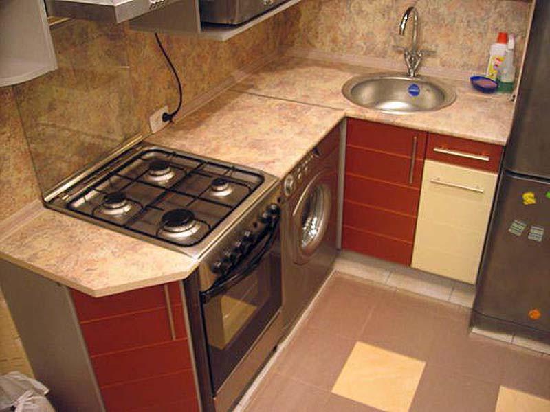 Маленькая кухня с колонкой в хрущевке дизайн