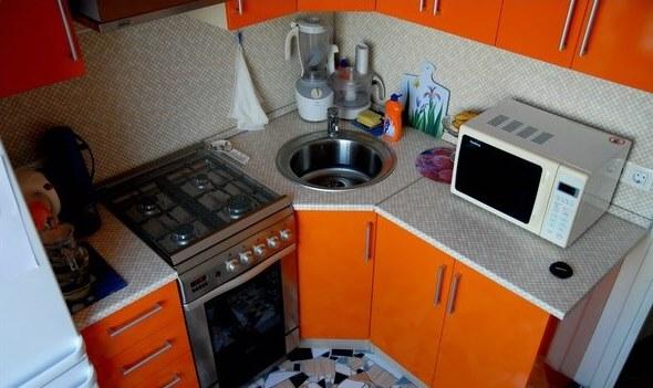 Рабочая зона угловой кухни