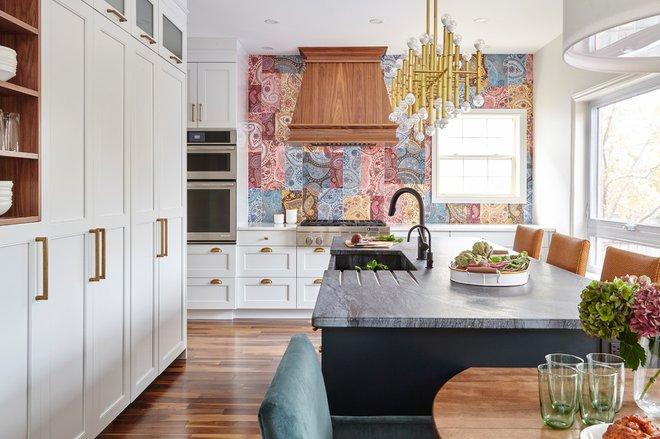 Современная классика Кухня by Square Footage Inc.