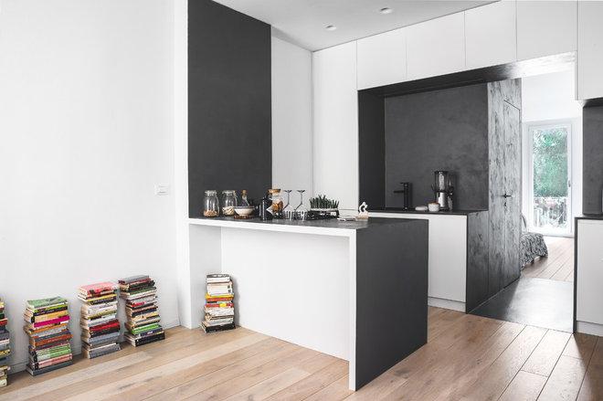 Современный Кухня by Miro Architetti