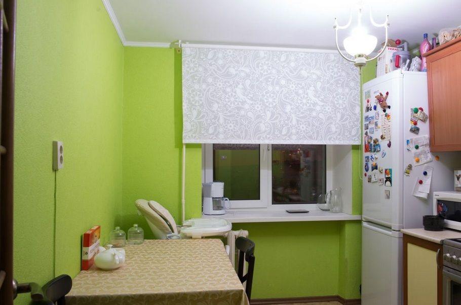 Зеленые стены в кухне хрущевки