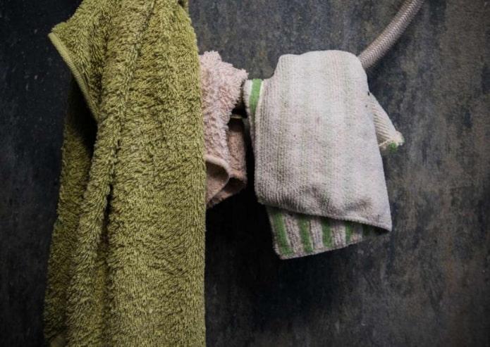 Засаленные полотенца