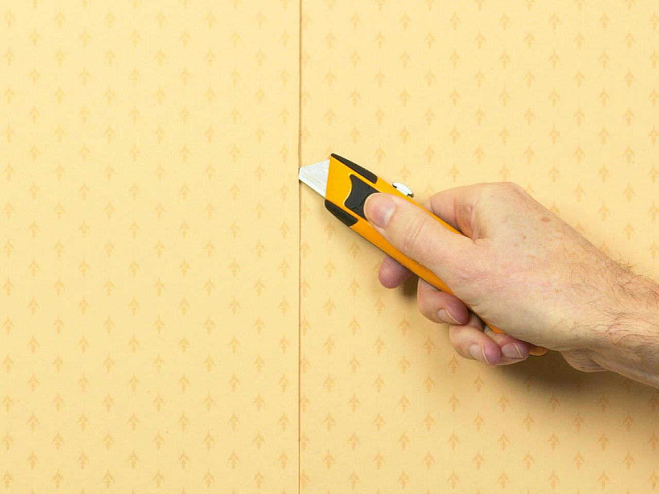 https://sense-life.com/wp-content/uploads/2019/04/how-to-get-creases-out-of-wallpaper-1420852808872.jpg