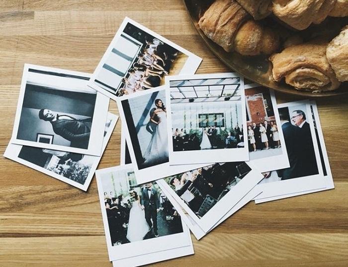 Снимки лучше хранить в фотоальбоме. / Фото: Zen.yandex.com