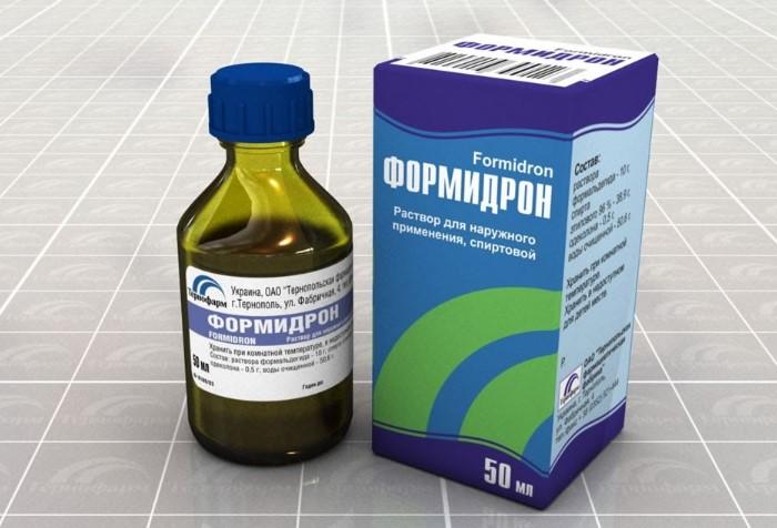 Аптечный препарат продезинфицирует и освежит кроссовки / Фото: netrodinkam.ru