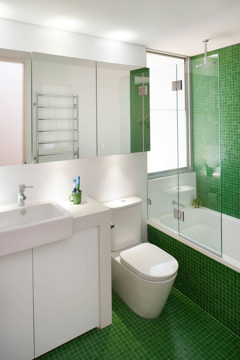 https://prolife.ru.com/wp-content/uploads/2019/10/how-to-make-a-small-bathroom-look-bigger6.jpg