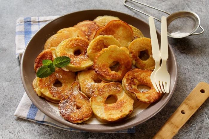 Яблоки во фритюре. \ Фото: