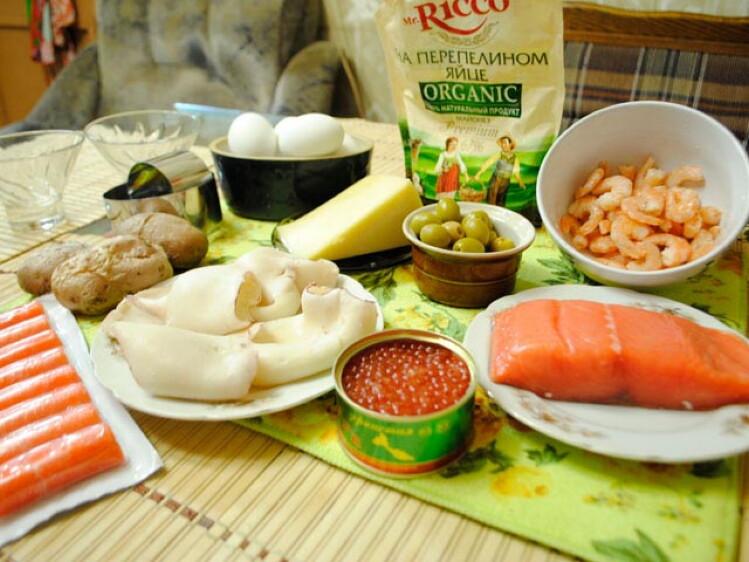 https://konfitur.fun/wp-content/uploads/2019/10/ingredienty-salat-carskiy-novogodniy.jpeg