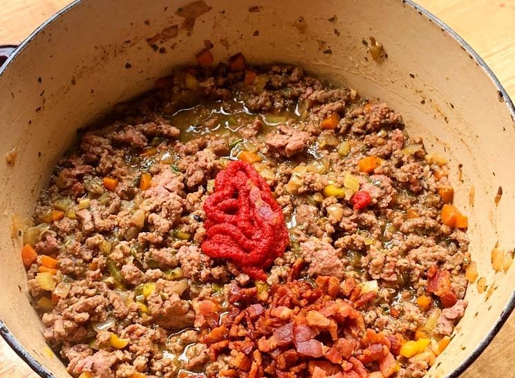 Рецепт паста болоньезе - шаг 5