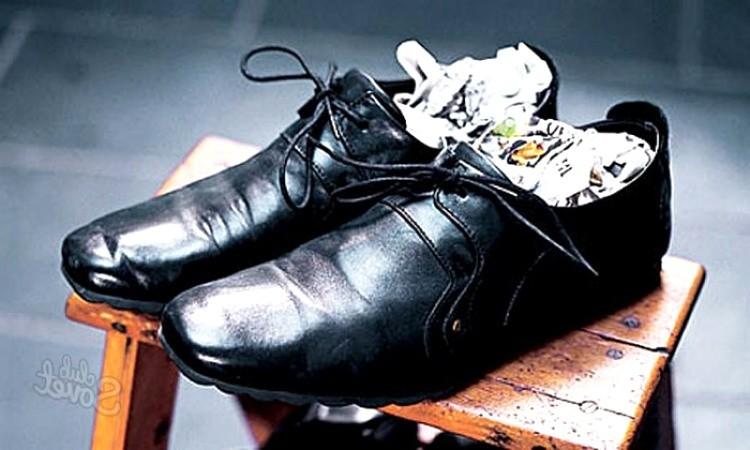 Уничтожаем неприятный запах, идущий из обуви